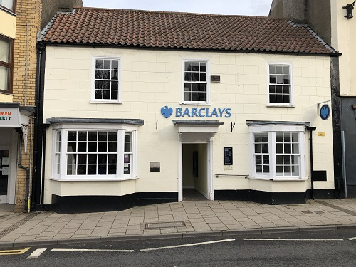Barclays bank to quit Thornbury