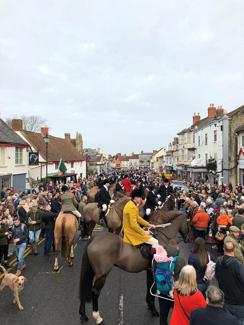 Thousands sign petition against Berkeley Hunt meet in Thornbury