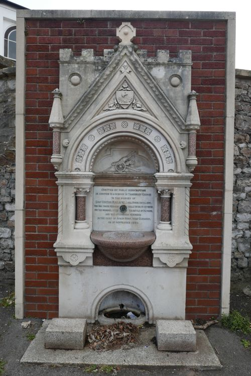 Thornbury and District Museum: Tragic story behind the Maclaine Fountain