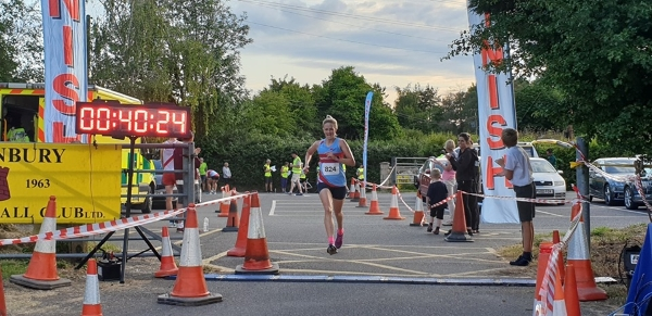 Taryn breaks club record in Thornbury 10k