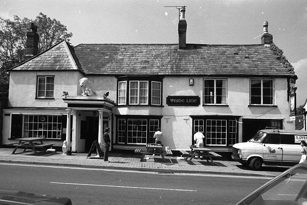 Thornbury and District Museum: A history of the White Lion