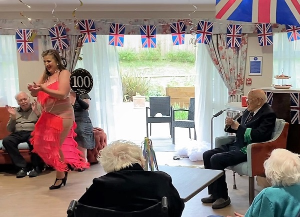 Second World War veteran asks for belly dancer to celebrate his 100th birthday
