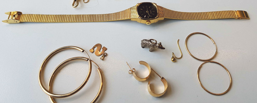 Police appeal for help in tracing the owner of distinctive jewellery